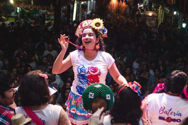 Thais Bezerra comanda oficina de Carnaval